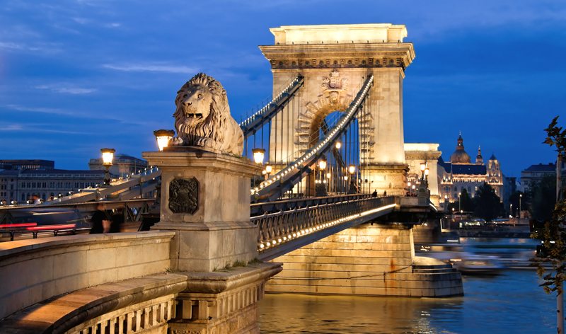 chain bridge budapest  hungary europe vacation packages