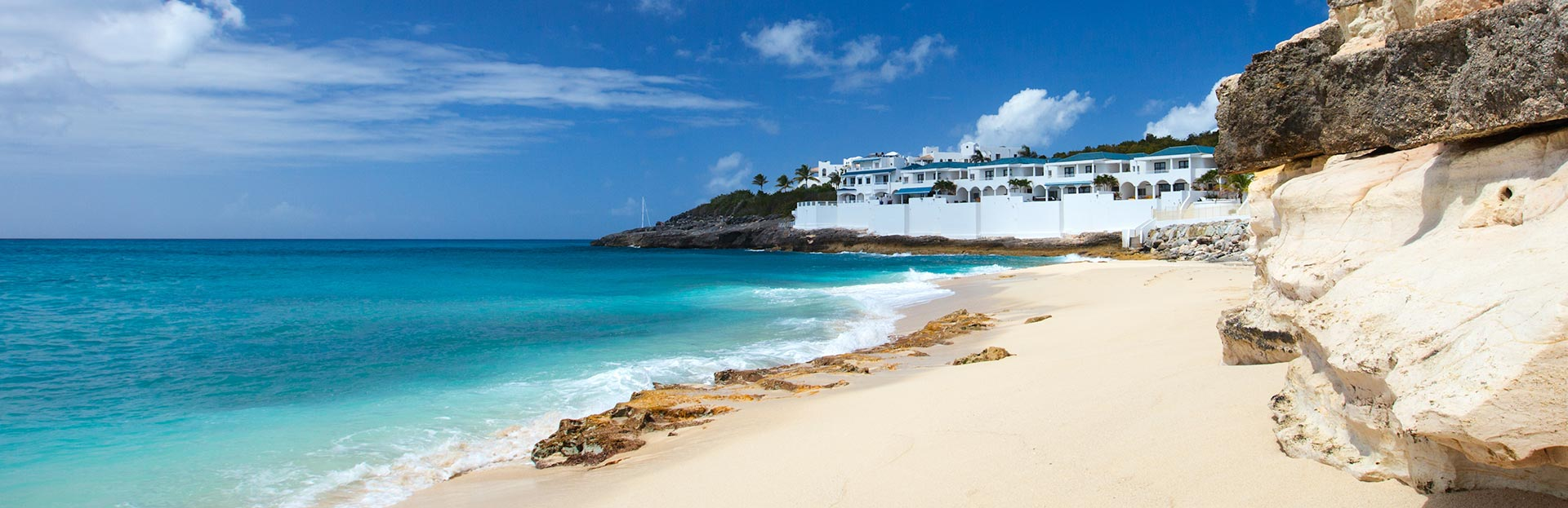 Book cheap flights from Montreal to Sint Maarten (round-trip)