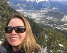 Lisa Shelley travel agent tripcentral dundas
