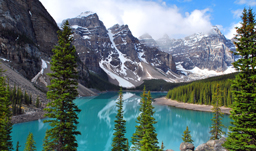 Moraine Lake in Banff National Park - Banff, Alberta, Canada