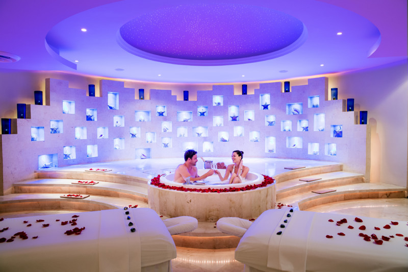 Barcelo maya beach resort packages for Health spa vacations for couples